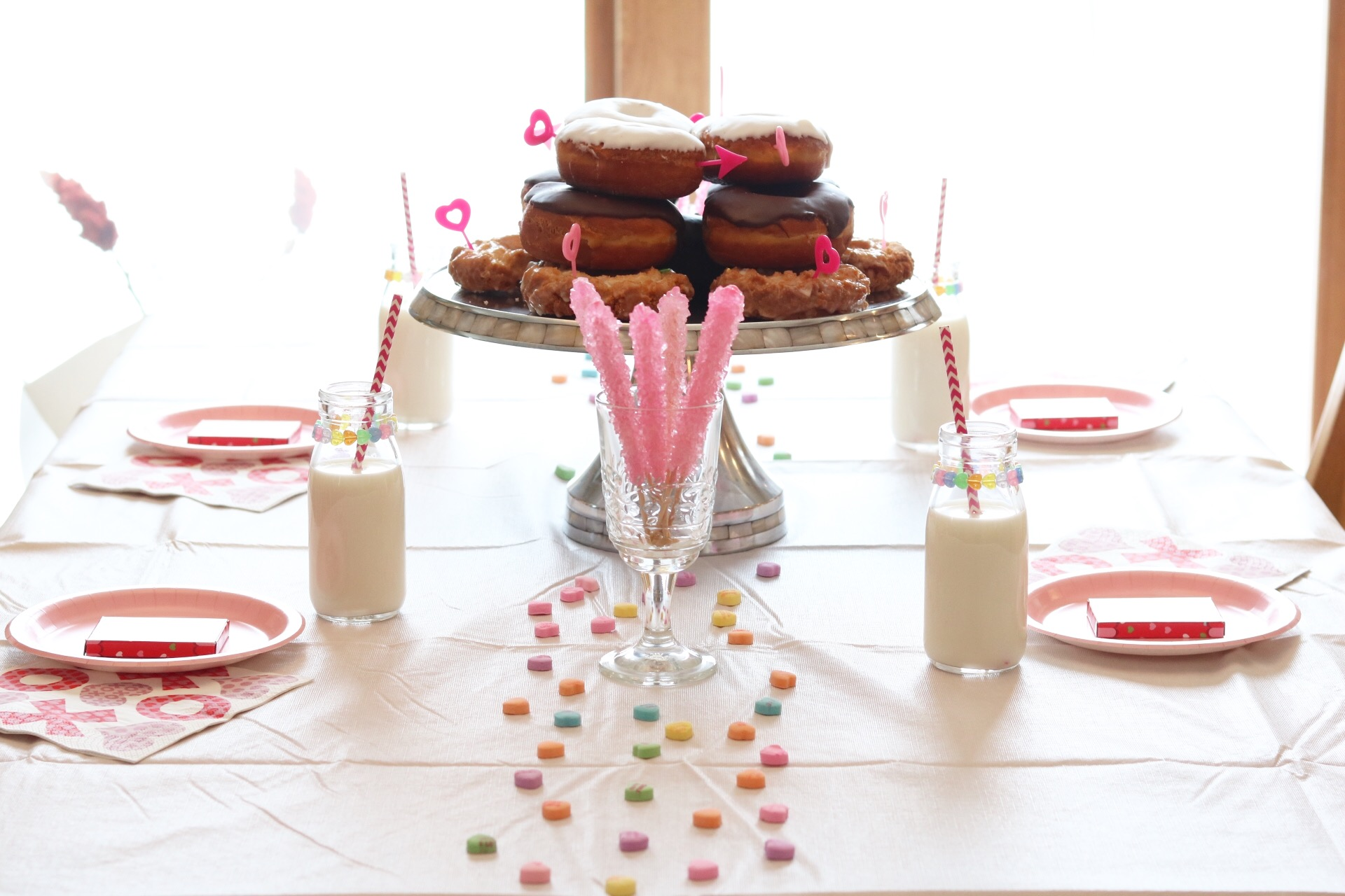Valentine's Day Donut Party for Kids - Check it out for more inspiration this Valentine's Day!