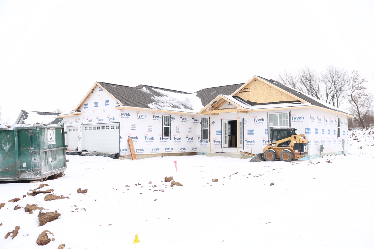 What to expect when building a new house or home. Ranch Floor Plan. // Wisconsin Lifestyle Blogger.