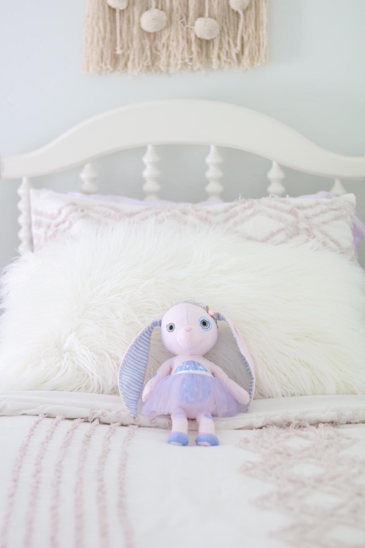Evelyns Big Girl Bedroom Reveal SUGAR MAPLE notes